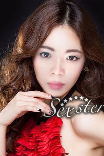 LISA VON DEN YOUNG ASIA GIRLS HAUSBESUCHE BEI WWW.SEXSTERN.AT